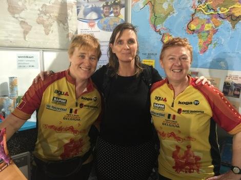 Met fietsheldinnen Ingrid en Nicole op de foto