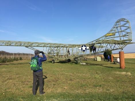 Replica van glider waarmee airborne troepen werden afgezet. Ze stortten vaak neer.