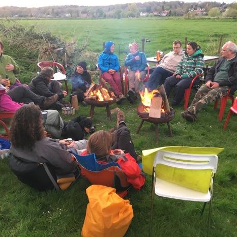 Kampvuur op camping Rijnoever