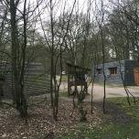 Natuurkampeerterrein Drie, links de stookhut