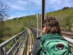 Wandelpad over spoorbrug