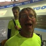 Tijdwaarnemer Gerard met op de achtergrond omroeper (Lig)Hans