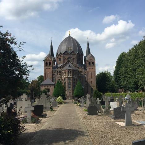 De neo-Romaanse kerk van Lierop (1890)