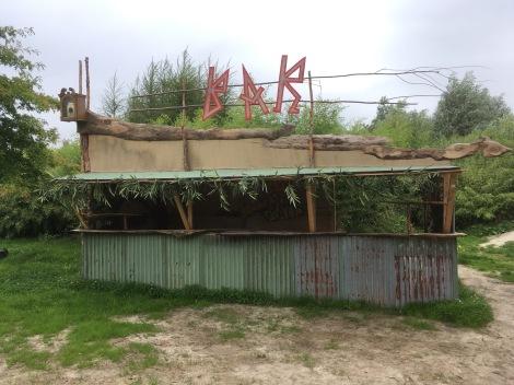 Bar in de bamboe jungle in De Wildste Tuin