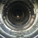 Omdat de motor eruit is, kan je van achter bijna helemaal naar voren door de straaljager kijken