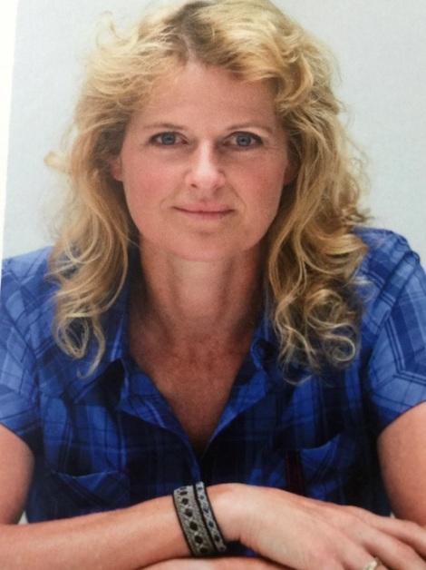 Foto achterflap van Jolanda Linschooten