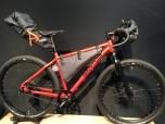 Santos Cross Lite met bikepacking tassen