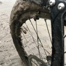 Plakkerige dikke modder