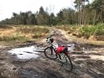Een modderig gedeelte van de tocht