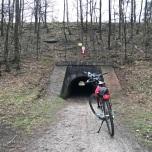 Laag tunneltje onder spoor door