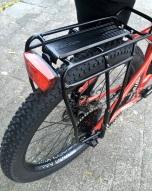 Topeak bagagedrager en een achterlicht gemonteerd